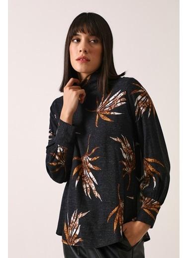 Gusto Kadın Siyah Desenli Viskon  Bluz 21KGN02526 Siyah
